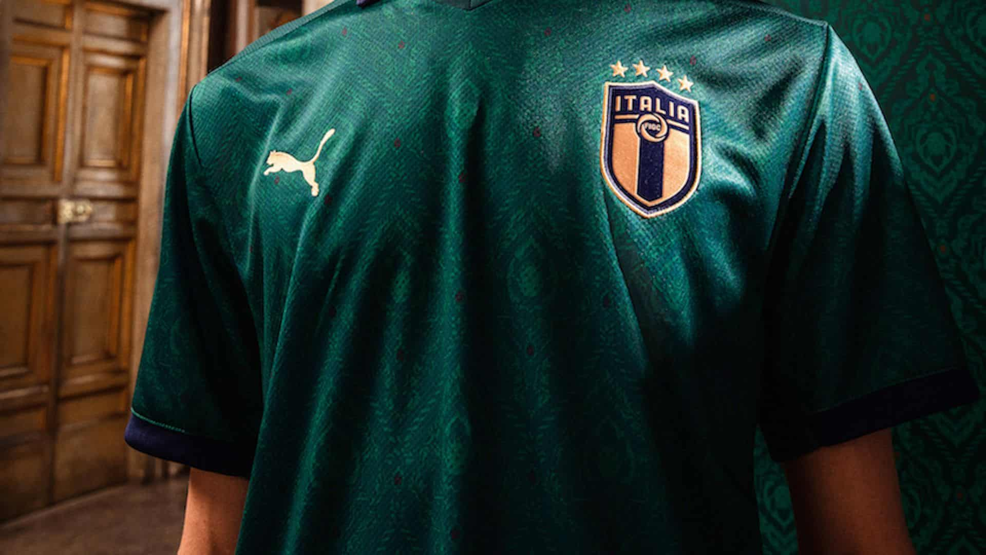 L'Italia giocherà con la maglia verde per le qualificazioni degli Europei di calcio